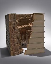 Los libros de papel siguen sirviendo para algo...